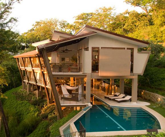 Amazing Courtyard Homes In Costa Rica1