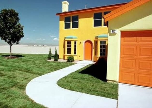 Amazing-Real-Houses-by-Favorites-Cartoons2