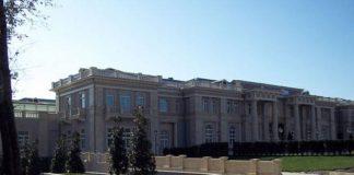 The-Luxury-Palace-of-Russias-Prime-Minister-Vladimir-Putin1