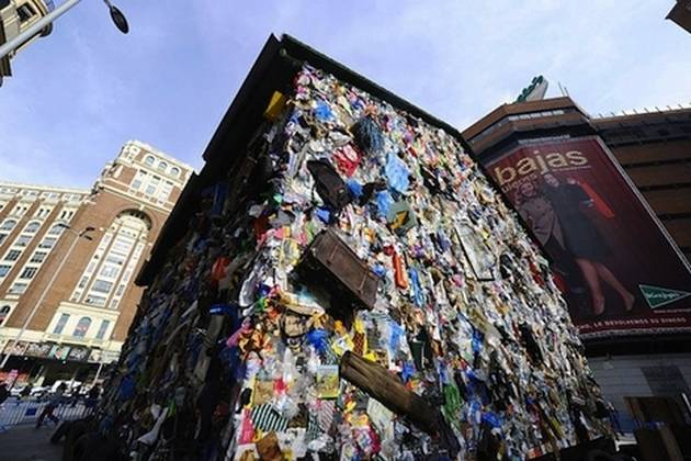 Incredible Hotel Of Waste2
