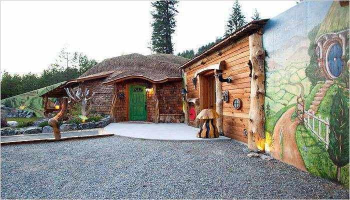 Interesting-Hobbit-House