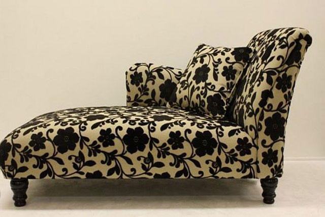 floral-pattern-chaise
